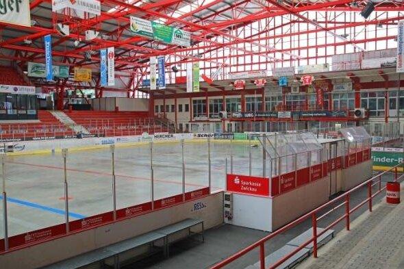 Der Eishockey-Zweitligist Eispiraten Crimmitschau hat für seine knapp 40 Vollzeit-Mitarbeiter die Kurzarbeit beantragt.