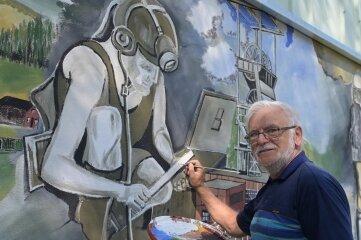 Günter Eckardt an seinem Wandbild.