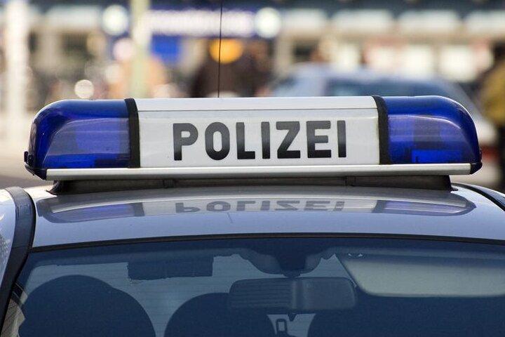 Striegistal/OT Großberg: VW bei Auffahrunfall auf Feld geschleudert