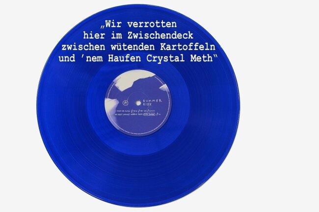 """Kummers Soloscheibe ist blau. Das Zitat stammt aus dem Song """"Schiff""""."""