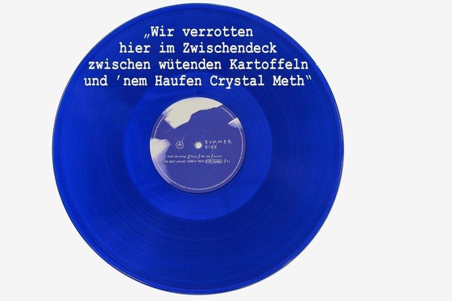 """Platz 1 der Charts: Kummers Soloscheibe ist blau. Das Zitat stammt aus dem Song """"Schiff""""."""