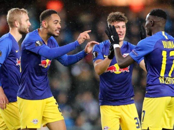 Die Leipzig-Profis feiern den 3:0-Auswärtssieg in Trondheim.