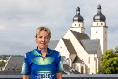 Jana Richter ist sportliches Aushängeschild ihres Vereins LATV Plauen. Zudem startet sie für den Triathlonverein Dresden in der Regionalliga. Neuerdings hat sie auch Spaß am Eisbaden gefunden.
