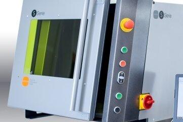 Mit dieser Laserbearbeitungsmaschine bewirbt sich die Erlauer Firma um den Sächsischen Staatspreis für Design.