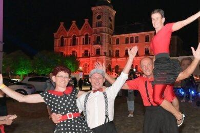 Die Rock 'n' Boogies, eine Rock 'n' Roll & Boogie-Formation der Tanzschule Köhler-Schimmel, trat bei der Einkaufsnacht auf. Dazu gehören (v.l.) Janet Junghanns, Frank Junghanns, Volker Kloss und Romy Voigt .