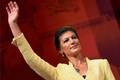 """Sahra Wagenknecht kandidiert nicht mehr als Linke-Fraktionsvorsitzende im Bundestag. Zuvor hatte sie bereits den Rückzug von der Spitze ihrer linken Sammlungsbewegung """"Aufstehen"""" erklärt."""