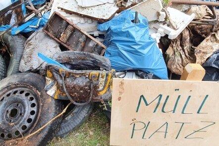 Die rund zehn Kubikmeter Unrat, die bei der Müllsammlung am Samstag zusammenkamen, wurden zunächst in Zschopau zwischengelagert.