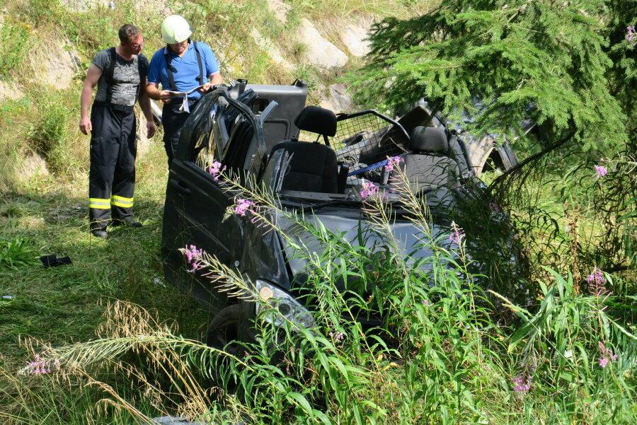 Update: Drei Verletzte bei Unfall in Wildenthal - S275 gesperrt