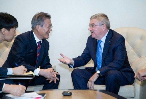 Bach trifft sich mit Präsident Moon