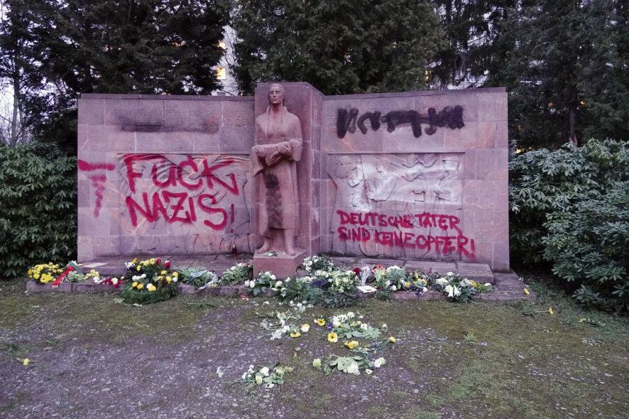 Mahnmal auf Chemnitzer Friedhof geschändet