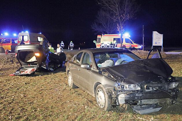 Ein schwerer Verkehrsunfall hat sich am Donnerstag gegen 17 Uhr auf der Augustusburger Straße im Chemnitzer Ortsteil Euba ereignet.