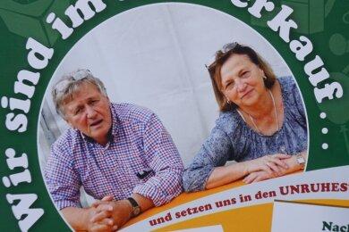 Mit diesem Plakat überraschen Eugenie und Horst Deglau in diesen Tagen ihre Kunden. Soll wirklich Schluss sein?