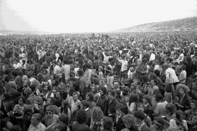 Und irgendwo war auch noch eine Bühne: Geschätzte 600.000 bis 700.000 Menschen ließen sich das Rockfestival auf der Isle of Wight 1970 nicht entgehen.