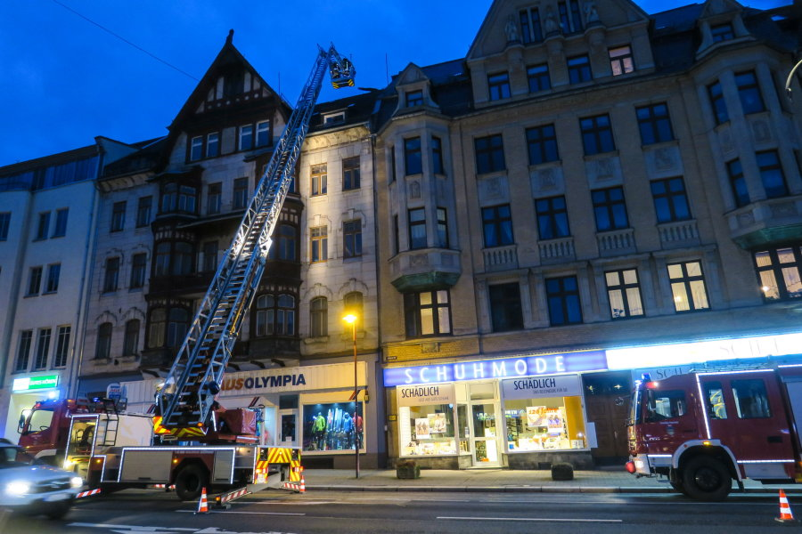 Gegen 18 Uhr wurde die Feuerwehr aus Aue zum Altmarkt gerufen.