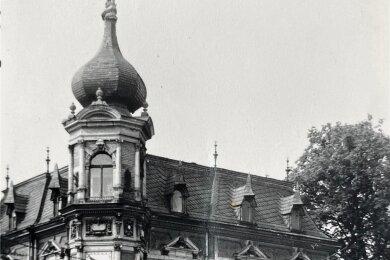 Wegen der Turmform taufte der Volksmund das Haus auf ZwiebelVilla. Hier eine Aufnahme von 1971.