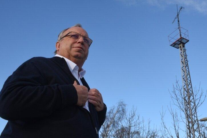 Hilmar Steinert hat Anfang der 1980er-Jahre mit mehreren Mitstreitern dafür gesorgt, dass die Oberfrohnaer Westfernsehen anschauen konnten. Dafür bauten sie gemeinsam einen Antennenmast.