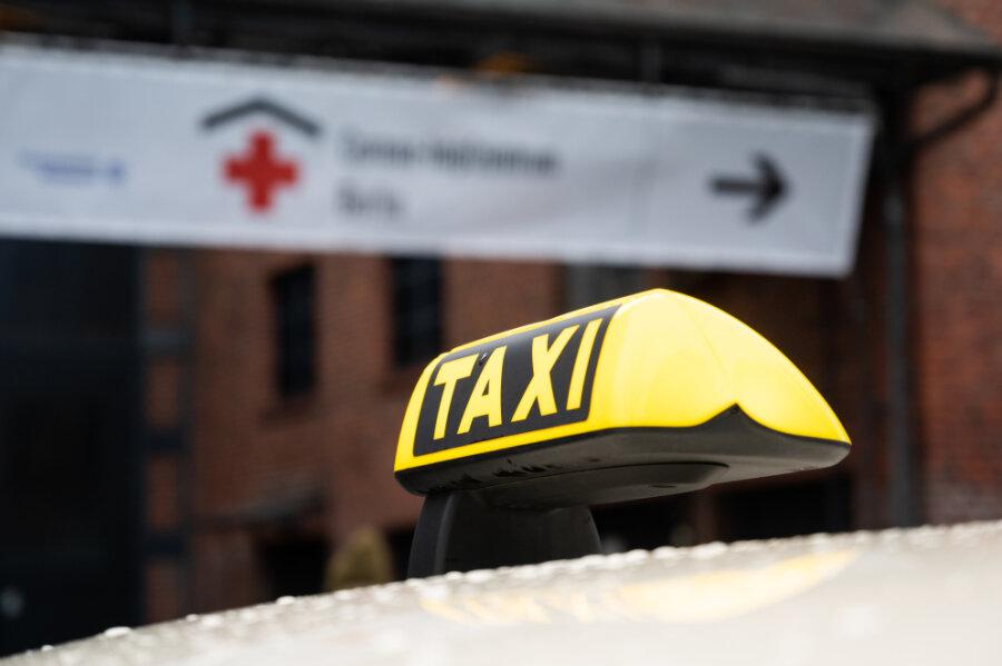 Corona-Lage in Chemnitz: Mit dem Taxi zur Corona-Impfung