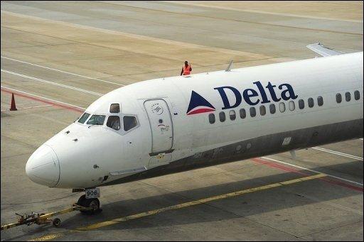 In den USA ist offenbar ein Terroranschlag zum ersten Weihnachtstag auf eine Passagiermaschine vereitelt worden. Nach Angaben von US-Medien versuchte ein Nigerianer kurz vor der Landung auf dem Flughafen von Detroit einen Sprengsatz zu zünden. (Archivfoto)