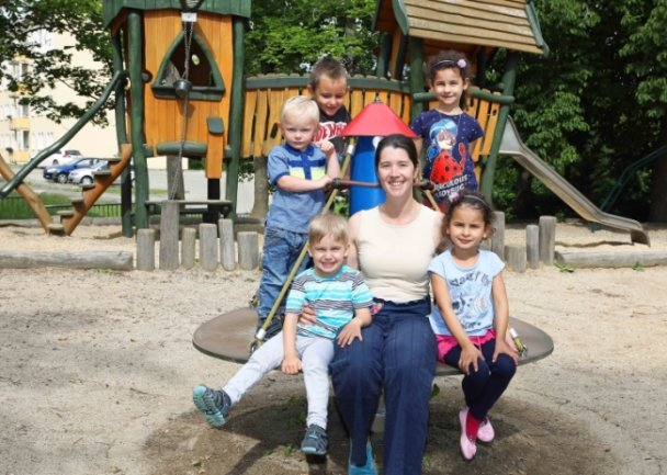 """""""Kinderland""""-Leiterin Nadine Le Blay freut sich, dass in ihrer Einrichtung wieder der reguläre Betrieb laufen kann."""