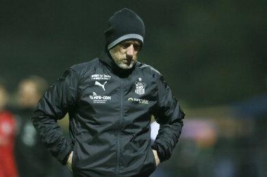 Enttäuschung bei FSV-Trainer Joe Enochs: Zwickau ist aus dem sächsischen Landespokal ausgeschieden.