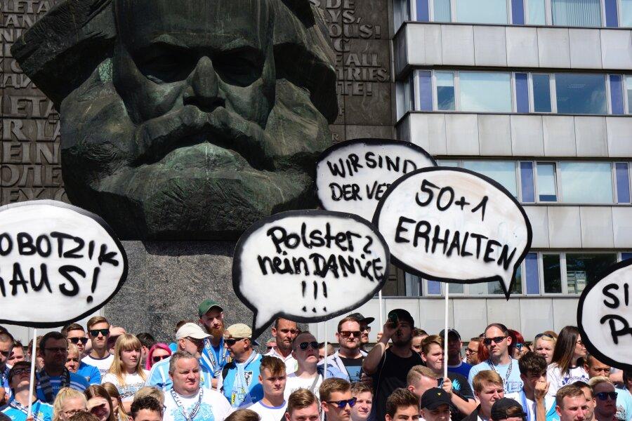 Fanmarsch von mehr als 1000 CFC-Anhängern verläuft friedlich