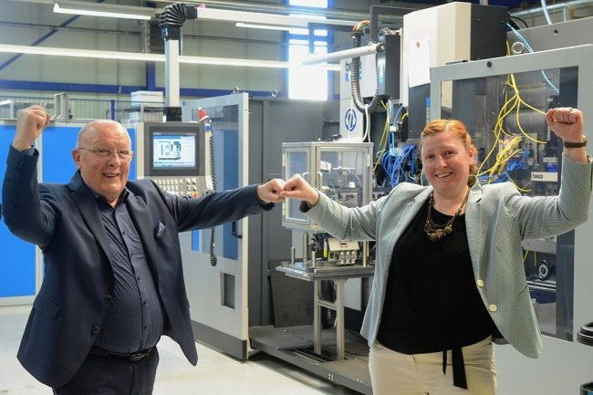 Beim Federnhersteller Cefeg übergibt Hans-Georg Reichel die Firmenleitung demnächst an seine Tochter Denise Klinger.