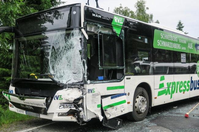 Vier Kinder sind bei einem Verkehrsunfall am Donnerstagmorgen verletzt worden.