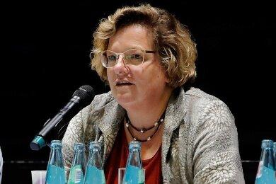 Annette Neuerburg wird ihr Mandat als Mitglied des Notvorstandes des Chemnitzer FC e.V. nicht fortführen.
