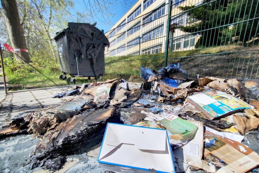 Chemnitz: Erneut brennen mehrere Container in der Nacht