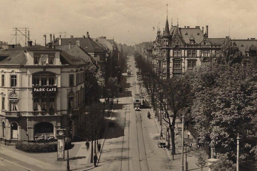 Diese Postkarte, die die Zwickauer Bahnhofstraße zeigt, stammt aus dem Jahr 1921. Die Gegend war für die Möglichkeit der käuflichen Liebe bekannt.