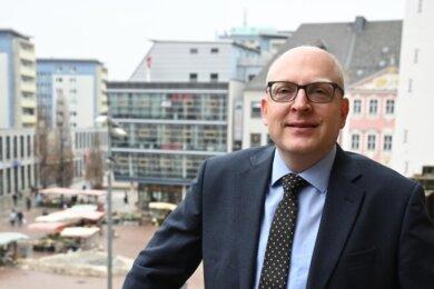 Seit seinem Amtsantritt vor 100 Tagen begleitet Sven Schulze die Pandemie und ihre Auswirkungen beispielsweise auf die Innenstädte.