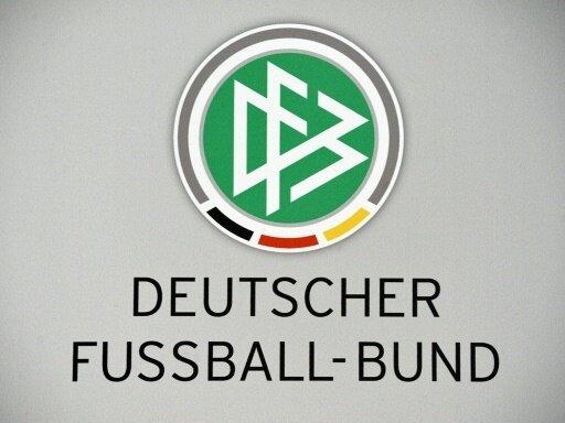 DFB spendet an gemeinnützige Organisationen