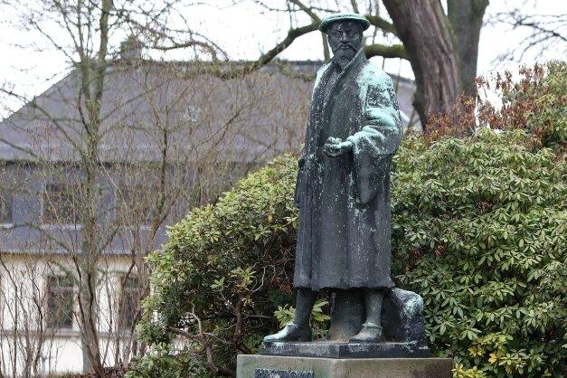 Das Agricola-Denkmal im Glauchauer Bahnhofspark wurde im Jahr 1958 eingeweiht.