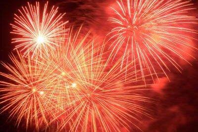 Erzleuchten: Feuerwerk erhellt Himmel über dem Erzgebirge