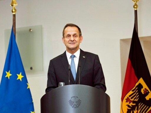 Alfons Hörmann will Lehren aus der Özil-Debatte ziehen