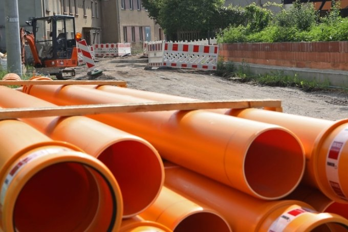 Kanalbauarbeiten, wie hier im Glauchauer Wehrdigt, will der Freistaat nicht mehr finanziell fördern.