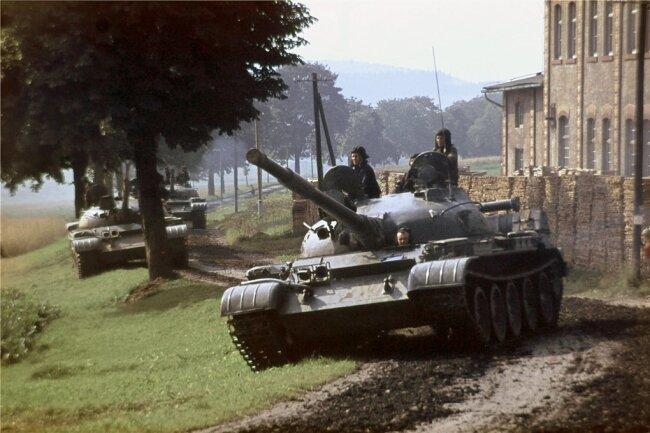 Sowjetpanzer bei Olbernhau im August 1968.