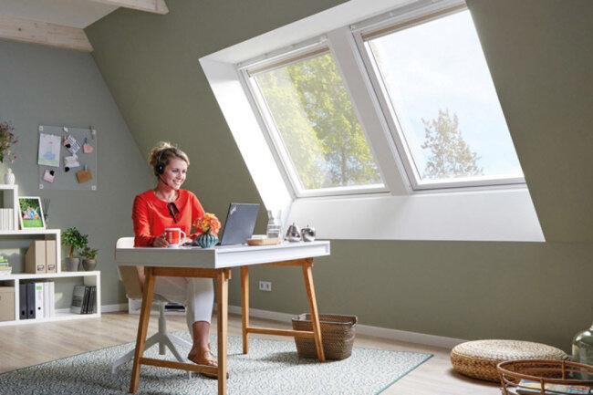 Dachgeschoss mit viel Tageslicht: Einfach perfekt für ein Arbeitszimmer.