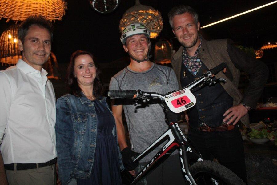 Agenturleiter Sven Hertwig, Projektmanagerin Uta Ulbricht, Biker Simon Staufer und Hotelier Sepp Schwaiger (von links)