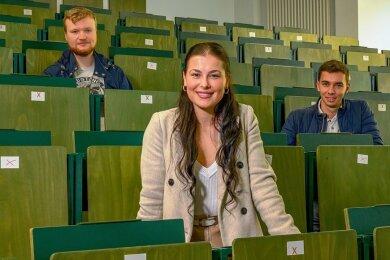 """""""Wie viel Engagement dahinter steckt"""": Lukas Kenning, Michaela Skokanova und Vincenz Biebow sind drei der 50 ersten Chemnitzer Medizinstudenten."""