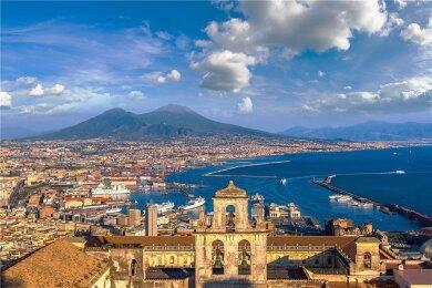 Die Fans wissen es zu schätzen: Auch der neue Roman von Elena Ferrante spielt in Neapel.