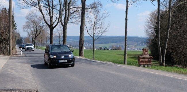 Die Bundesstraße 180 zwischen Thalheim und Stollberg ist 2020 saniert worden. Derzeit laufen Untersuchungen für eine Verlegung.