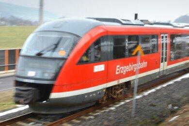 Projekt Eco-Train: herkömmliche Dieseltriebzüge werden auf klimafreundliche Hybridzüge umgerüstet.