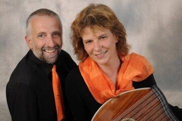 Das Freiberger Duo Zitherklang:Birgit Weber und Tobias Duteloff.