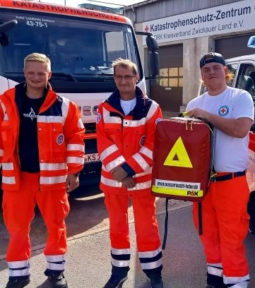 Philipp Buchta, Holger Lang und Paul Kunze (v. l.) brachen zu einem weiteren Einsatz im Rahmen der Katastrophenhilfe auf.