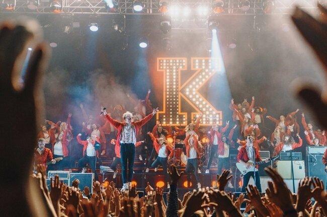 Wir sind auch das Volk: Kraftklub feiern mit 12.000 Zuschauern in Dresden die frohgemute Seite Sachsen.