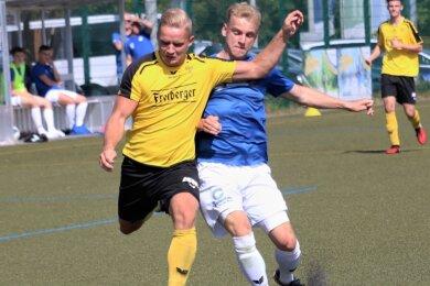 Die Freiberger um Rick Römmler (l.) hatten gegen den Landesklasse-Vertreter aus Wurzen eine Menge Mühe, die dritte Runde des Sachsenpokal zu erreichen.