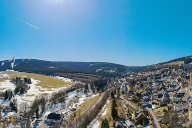 Die Zustimmung, die die Oberwiesenthaler bundesweit für ihre Lockdown-Ausstiegsstrategie finden, macht den Gastgebern in Deutschlands höchstgelegener Stadt Mut.Foto: Ronny Küttner