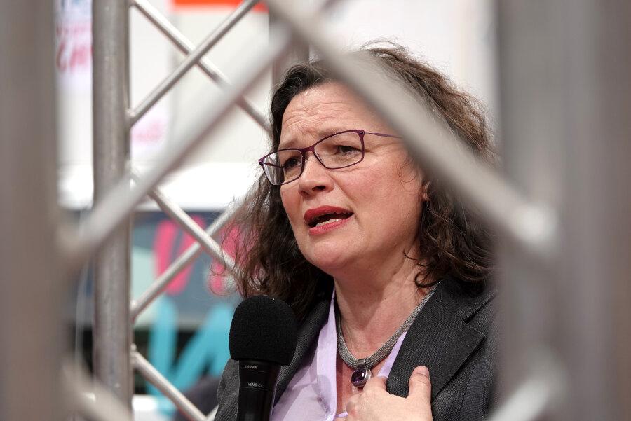 Nahles stellt sich in SPD-Bundestagsfraktion vorzeitig zur Neuwahl