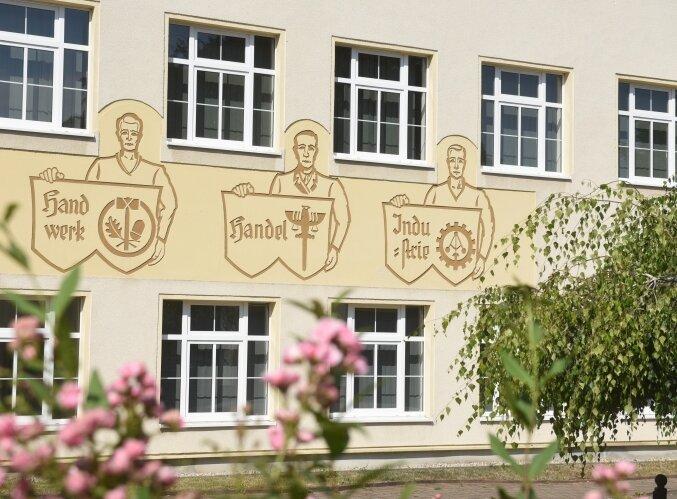 Seit mehr als 100 Jahren wird in der Berufsschule in Burgstädt unterrichtet. Jetzt gibt es Schließungspläne.